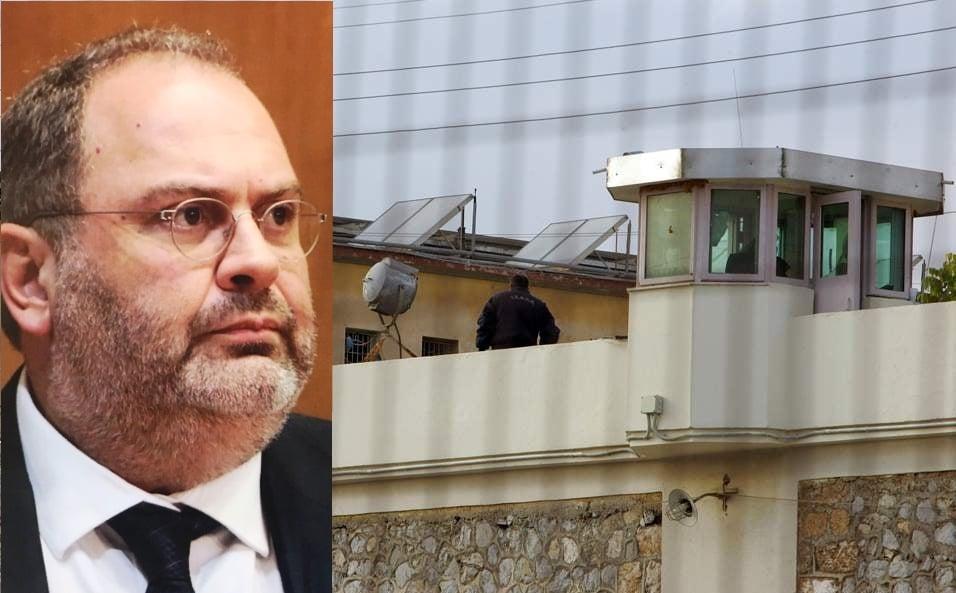 Υφ' όρον απόλυση: Όταν ο νομοθέτης περιορίζει τον δικαστή
