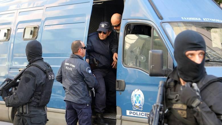Δυο αστυνομικοί σε κύκλωμα διακίνησης μη νόμιμων μεταναστών