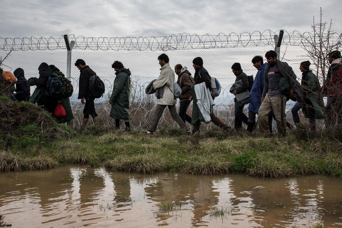 """Μυστική εισήγηση – """"βόμβα"""" στα χέρια του πρωθυπουργού: Έως 2 εκ. Αφγανοί στα ελληνικά σύνορα – ΒΙΝΤΕΟ"""