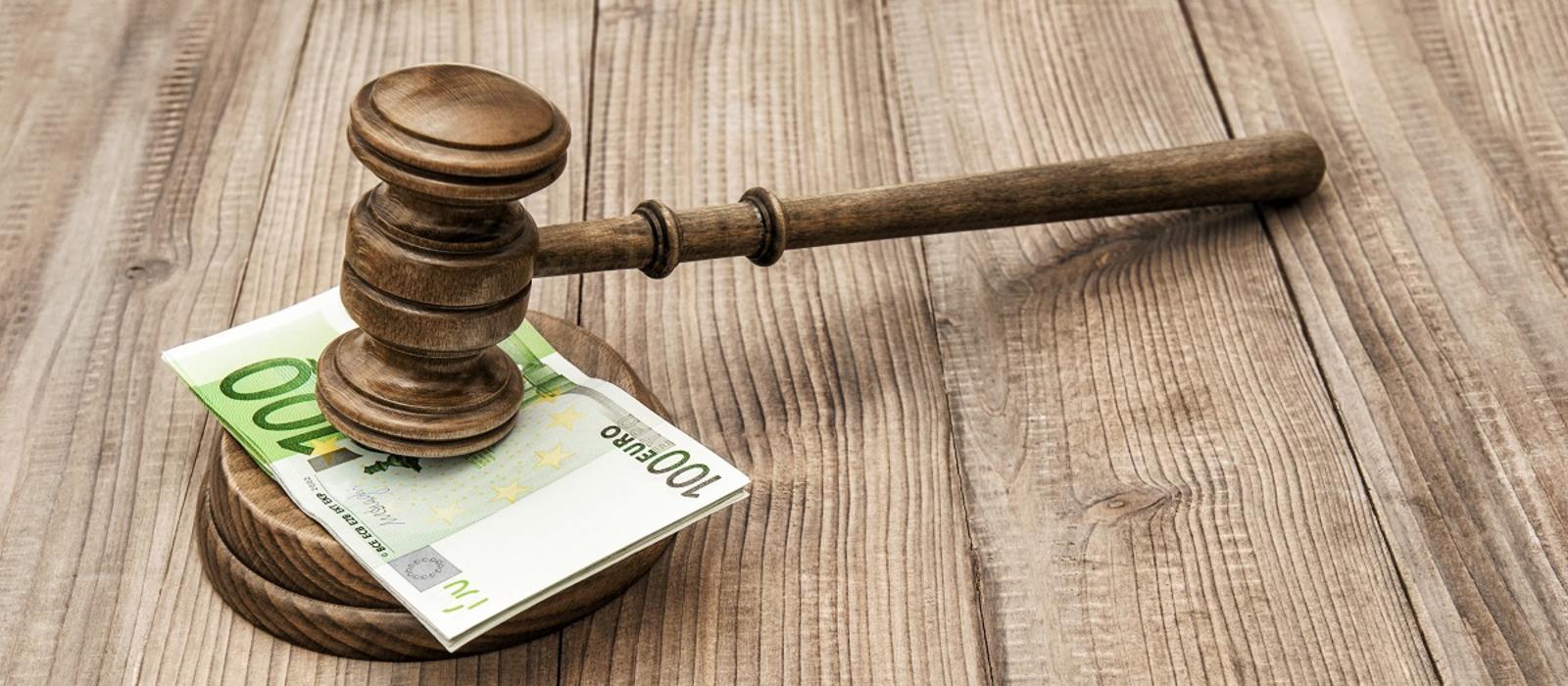 Αλλάζει ο τρόπος εκπροσώπησης του Δημοσίου στις δίκες για τα υπερχρεωμένα νοικοκυριά