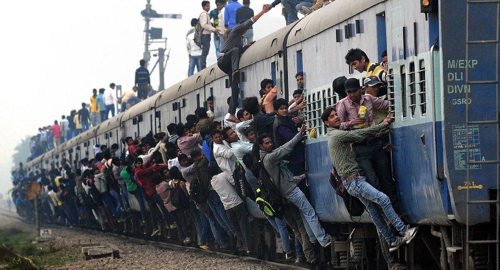 Ινδία:Τρένο πέρασε πάνω από μωρό αλλά αυτό σώθηκε