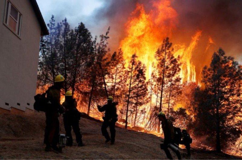 Η.Π.Α: 65 νεκροί και 600 αγνοούμενοι από τις φονικές πυρκαγιές