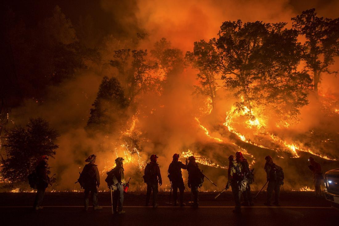 Συγκλονιστικό: Πατέρας τραγουδούσε στην κορούλα του όση ώρα κινδύνευαν από τη φωτιά στην Καλιφόρνια! (video)