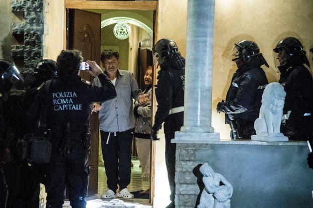 Ιταλία: Μπουλντόζες κατεδάφισαν τις βίλες μιας μαφιόζικης φατρίας