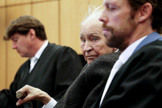 Ξεκίνησε η δίκη του 94χρονου φύλακα σε ναζιστικό στρατόπεδο στην Γερμανία