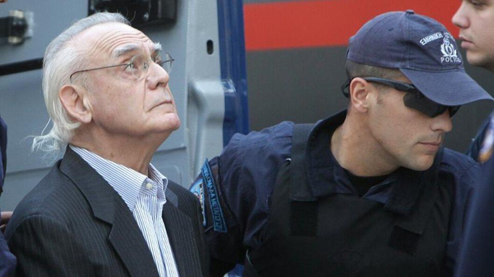 Ο Άκης χρειάζεται 30.000 ευρώ για να μην πάει εκ νέου φυλακή για «ασήμαντη» αφορμή