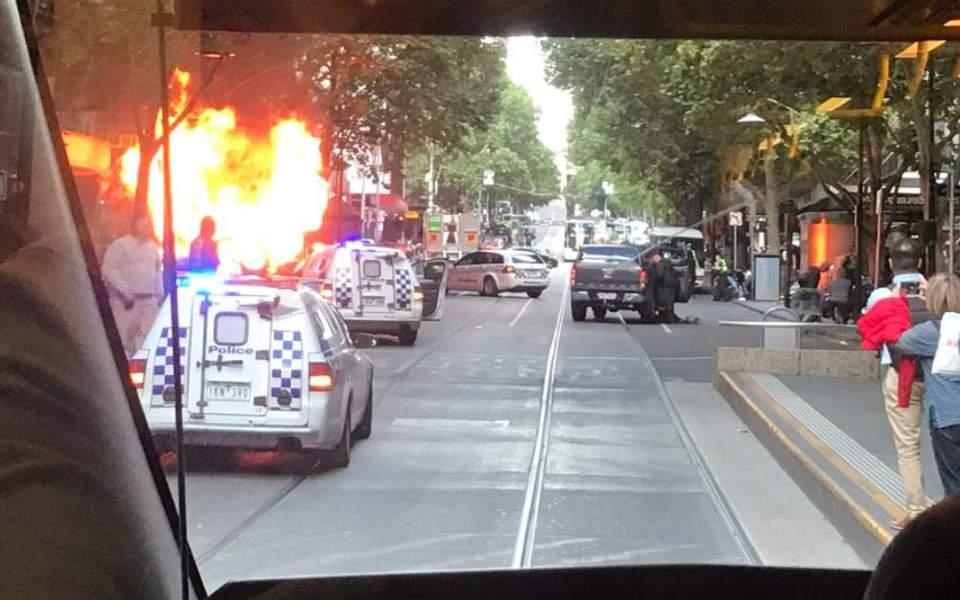 Μελβούρνη: Επίθεση άνδρα σε αμόκ με ένα νεκρό και δύο τραυματίες (video)