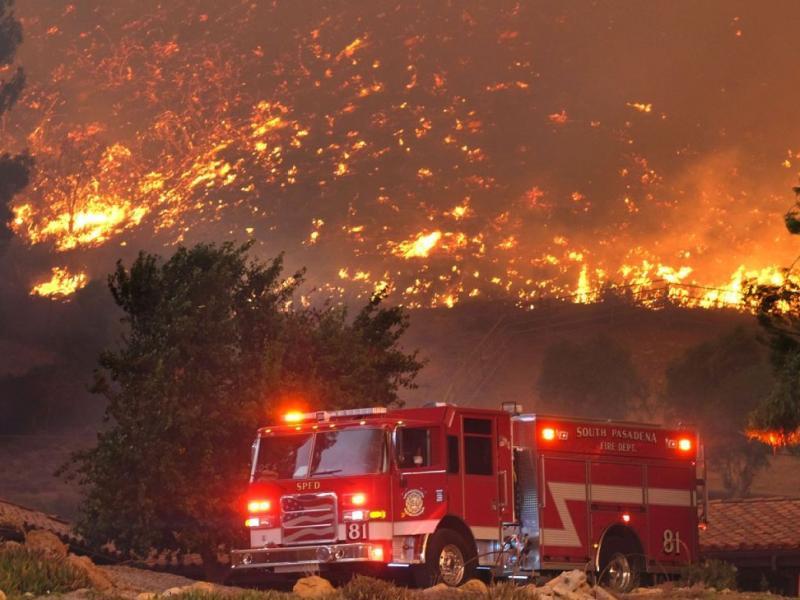 Στους 23 οι νεκροί από τις φονικές πυρκαγιές στην Καλιφόρνια