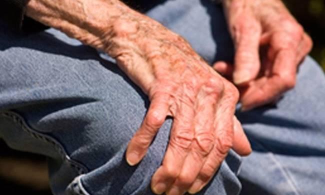 """Απίστευτη κλοπή στο Ηράκλειο: Άρπαξαν 20.000 ευρώ από ηλικιωμένο – Τα είχε """"φυτέψει"""" στον τοίχο"""