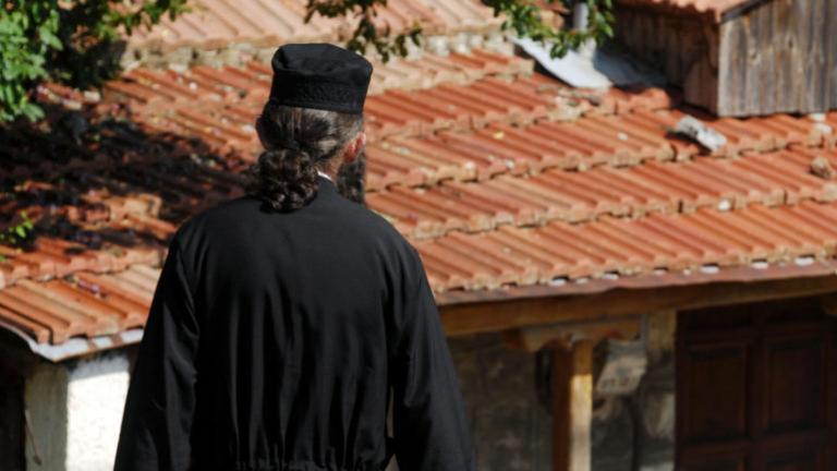 Καλαμάτα: Κληρικός… «Μαϊμού» εξαπατά πιστούς