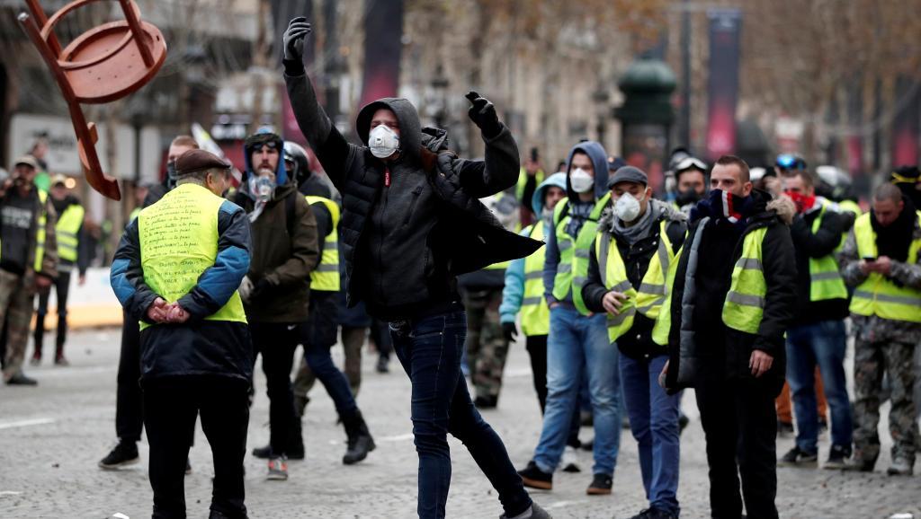 Γαλλία – «κίτρινα γιλέκα»: Στους εννέα οι νεκροί