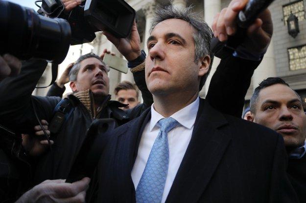 Πρωτοφανής κίνηση Τραμπ: Ζήτησε τη φυλάκιση του πρώην δικηγόρου του!