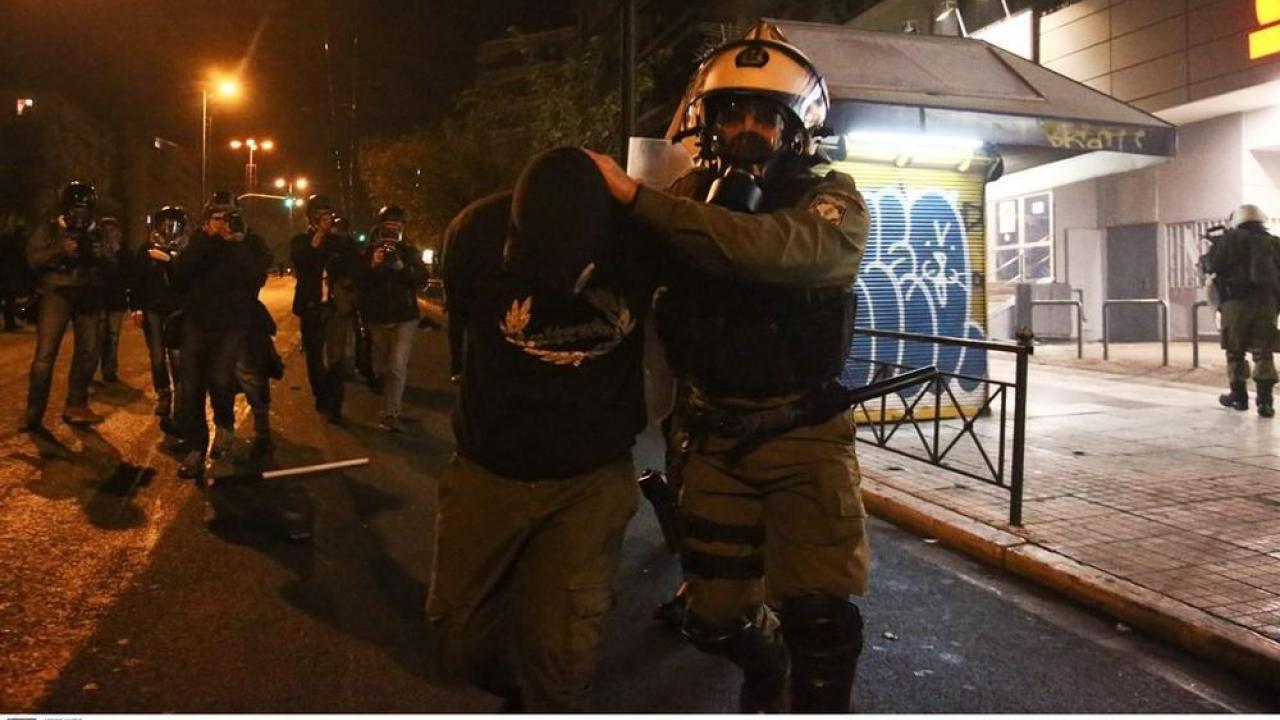 """13 συλλήψεις, 3 τραυματίες, στην «εμπόλεμη» ζώνη του ανεξάρτητου """"κράτους"""" των Εξαρχείων"""