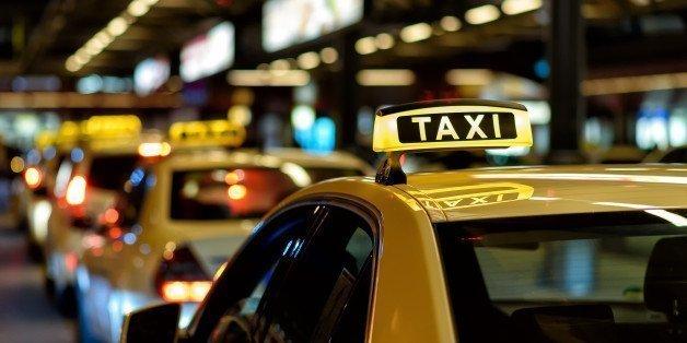 Σοκ στο Μενίδι: Αδέσποτη σφαίρα σε ταξί την ώρα που ήταν σε κούρσα με πελάτη – ΒΙΝΤΕΟ