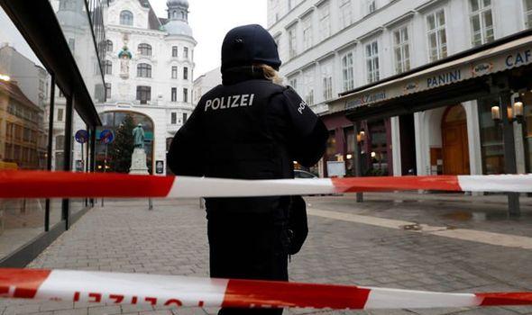 Βιέννη: 15 άτομα τραυματίστηκαν σε επίθεση δύο ενόπλων σε εκκλησία