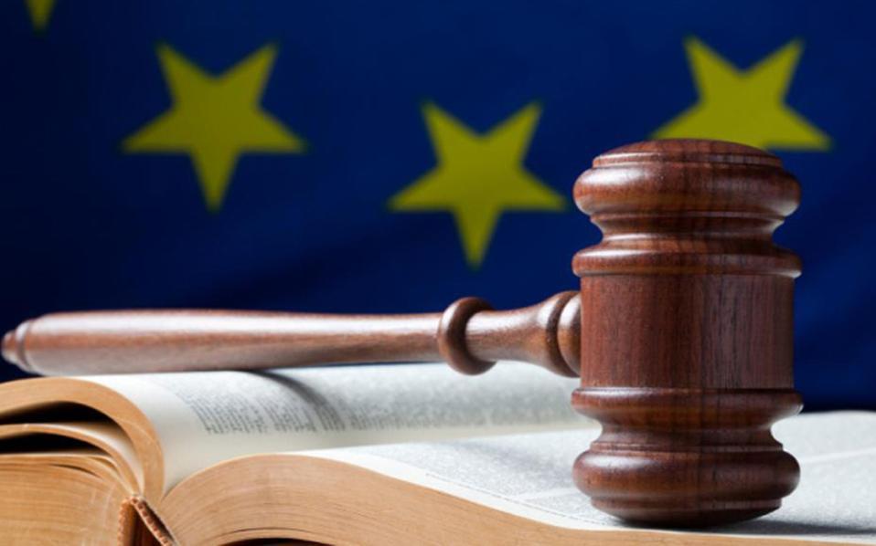 Ευρωπαϊκό Δικαστήριο: Παράνομος ο έλεγχος διαβατηρίων επιβατών λεωφορείων που επιβάλλει η Γερμανία