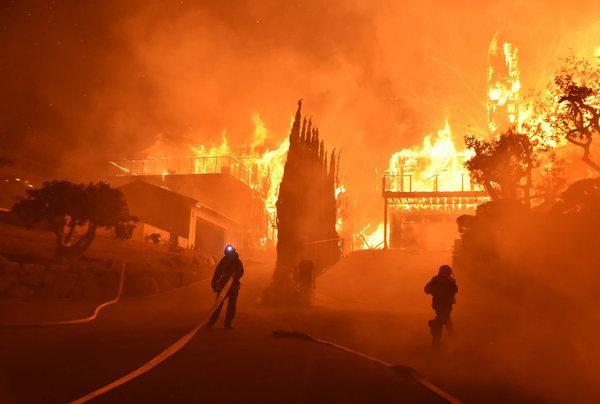 Καλιφόρνια: Περισσότερα από 9 δισ. δολάρια οι ασφαλισμένες υλικές ζημιές από τις πυρκαγιές