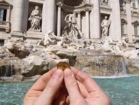 """""""Πόλεμος"""" Ρωμαιοκαθολικής Εκκλησίας με τον δήμο της Ρώμης για τα… κέρδη της Φοντάνα ντι Τρέβι"""