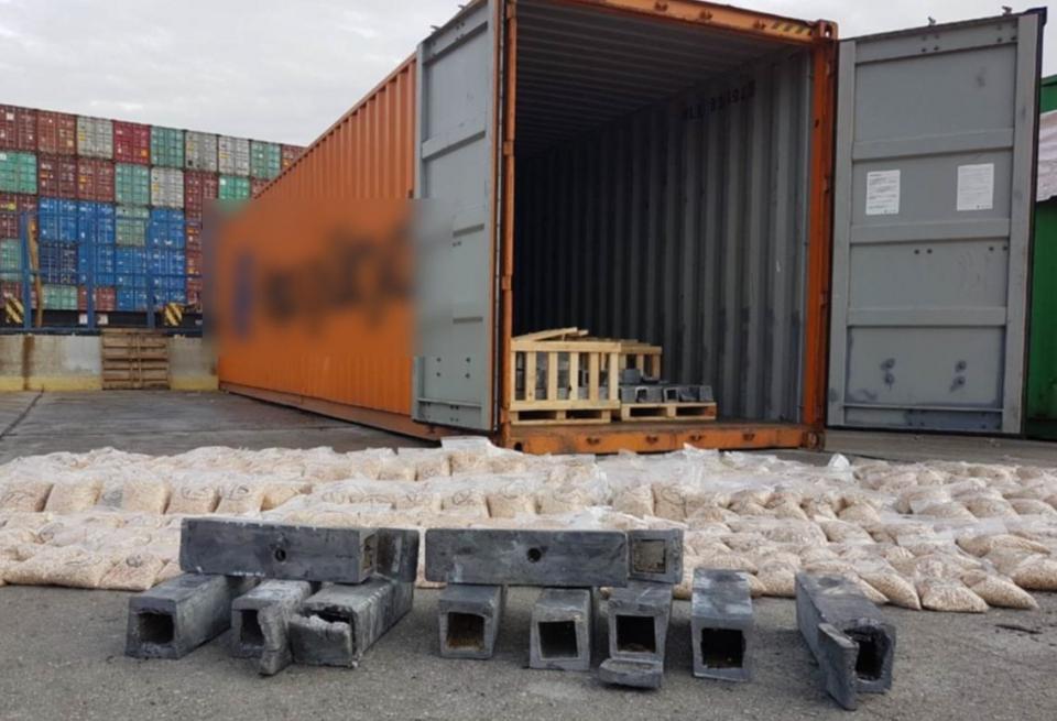 Πειραιάς: Σε 4.400.000 ανέρχονται τα ναρκωτικά χάπια που εντοπίστηκαν σε κοντέινερ