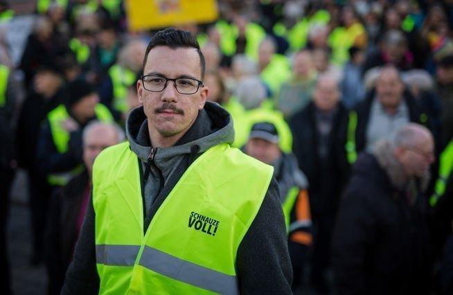Γιάννης-Παύλος Σάκαρος: Η Ελληνική ψυχή των γερμανικών «Κίτρινων Γιλέκων»