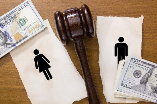 Δημήτρης Χριστούλιας: «Διαζύγιο» με τρίτο πρόσωπο την… εφορία!