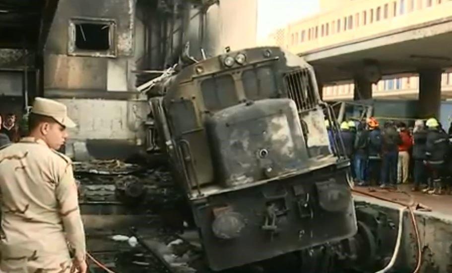Ανείπωτη τραγωδία στον κεντρικό σιδηροδρομικό σταθμό του Καΐρου (video)
