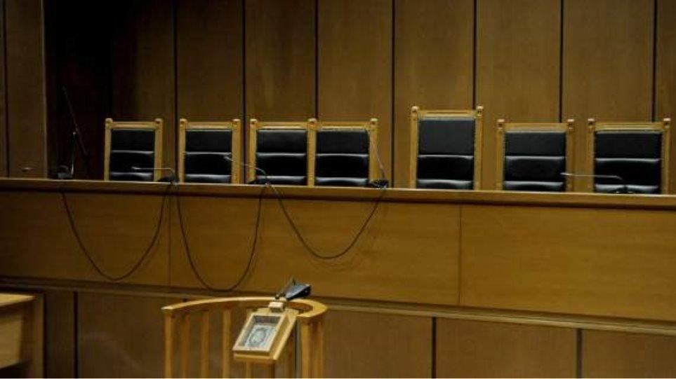 """Ένωση Διοικητικών Δικαστών: """"Αποδομείται το κράτος δικαίου"""""""