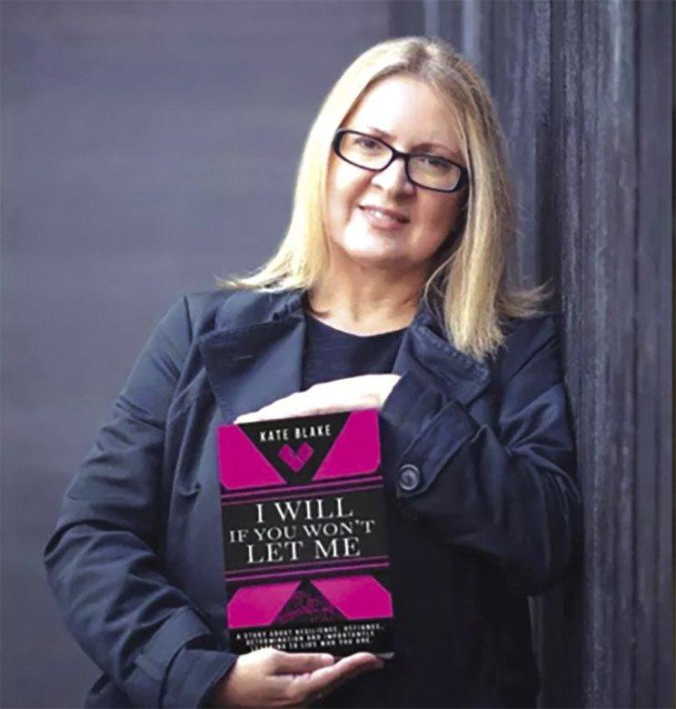 Έπεσε θύμα βιασμού στη Ρόδο όταν ήταν ανήλικη μία διάσημη Βρετανίδα συγγραφέας