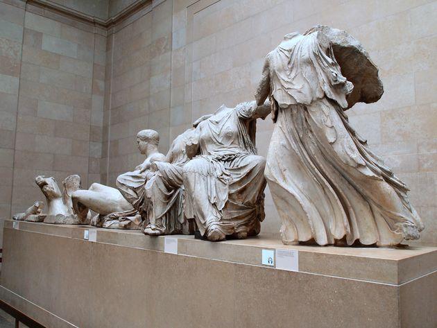 Sunday Times: Μπόρις Τζόνσον «να επιστρέψεις τα γλυπτά του Παρθενώνα στην Αθήνα γιατί εκεί ανήκουν»