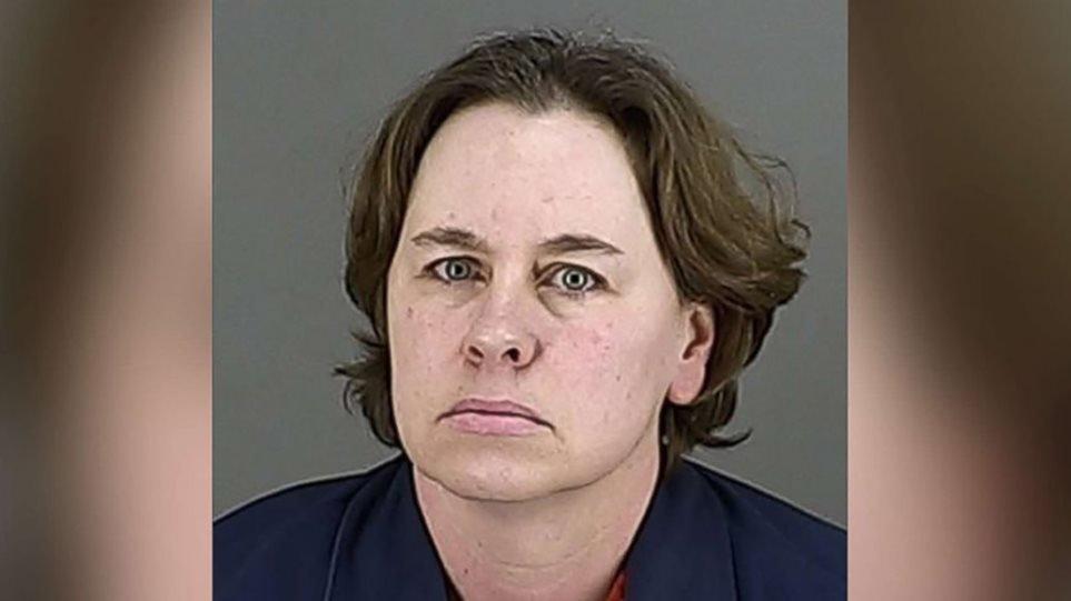 Σκότωσε τον άντρα της, τον διαμέλισε και τον έκρυψε μέσα στο σπίτι τους!