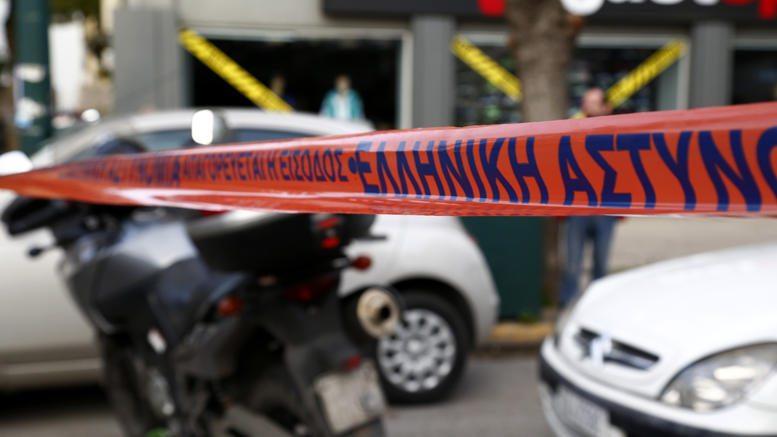 Δολοφονία 49χρονου στον Εύοσμο: Όταν μια κόρη δολοφονεί με 15 μαχαιριές τον πατέρα της (και αναλαμβάνει την ποινική ευθύνη)