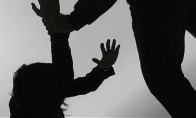 Βούλγαρος χτύπησε αλύπητα τη σύντροφό του! Έχασε το ένα από τα δύο έμβρυα που κυοφορούσε