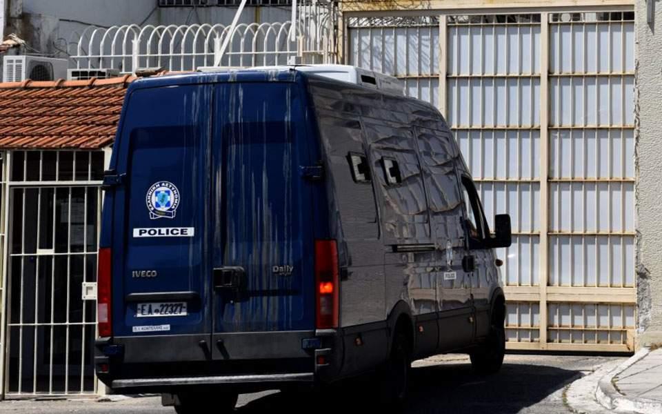 Παρουσιάστηκε αυτοβούλως και συνελήφθη ο δικηγόρος Θ. Παναγόπουλος
