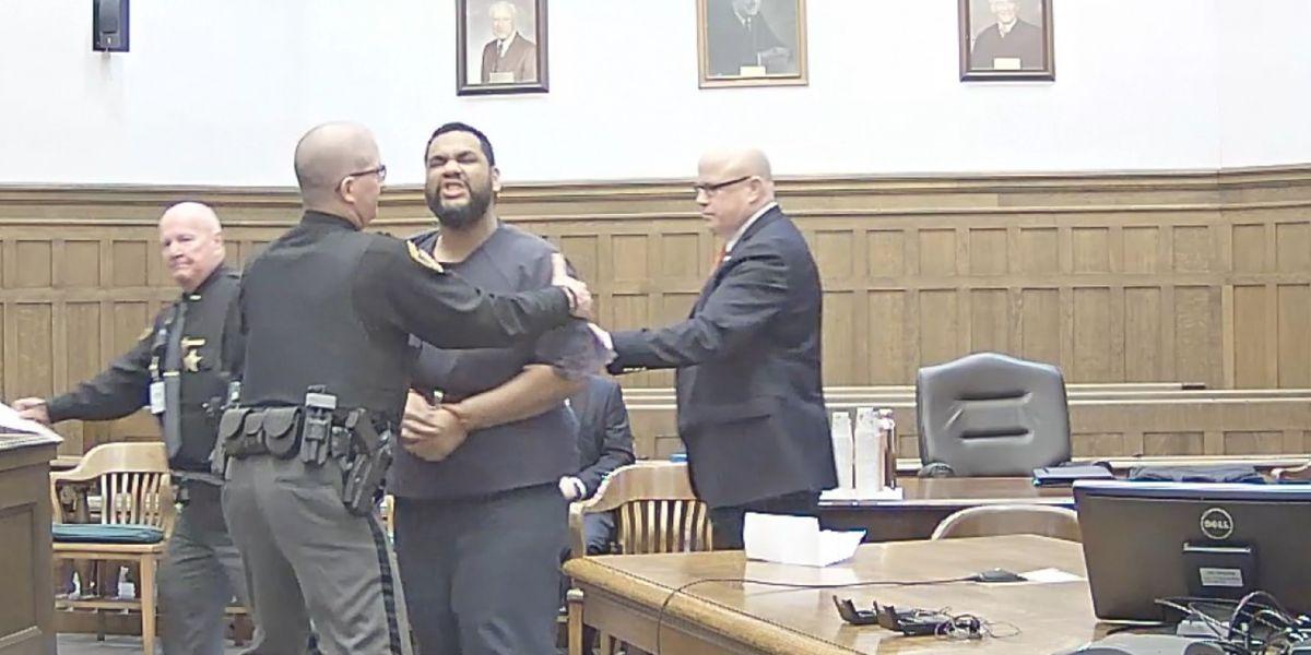 Δικαστής αύξησε (μέσα σε λίγα λεπτά) την ποινή που επέβαλε σε κατηγορούμενο όταν αυτός άρχισε να τον βρίζει χυδαία (video)