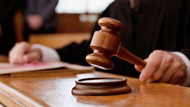 Κάθειρξη 10 ετών σε δημοτικό υπάλληλο που κρατούσε φυλακισμένα τα ξαδέλφια του
