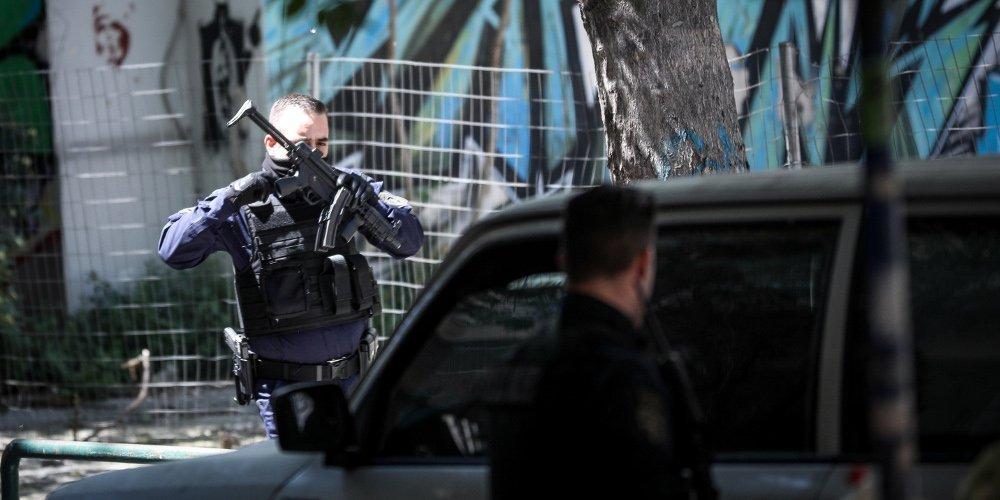 Περισσότερα από 155 κιλά χασίς κατασχέθηκαν σε αστυνομική επιχείρηση στα Εξάρχεια – Τρεις συλλήψεις