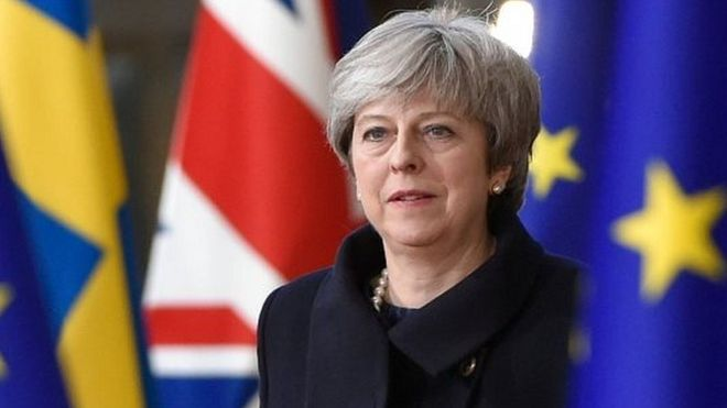 Telegraph: Η Τερέζα Μέι εξετάζει την διενέργεια ενός δεύτερου δημοψηφίσματος