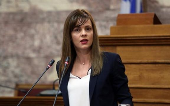 Αχτσιόγλου: Αρχές της άλλης εβδομάδας θα καταβληθεί η 13η σύνταξη – Ανοίγει η πλατφόρμα για τις 120 δόσεις