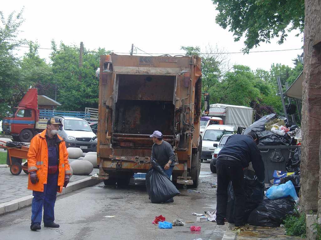 Προσωρινή παραμονή για «παρατασιούχους» Καθαριότητας Δήμου