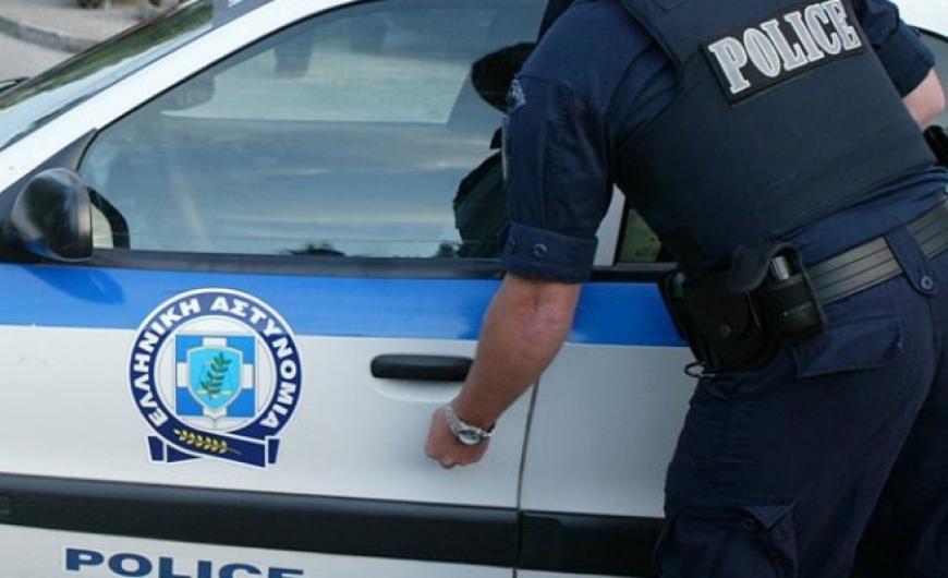 Δύο ανήλικοι συνελήφθησαν στη Σαλαμίνα για κλοπές σε καταστήματα και οικία