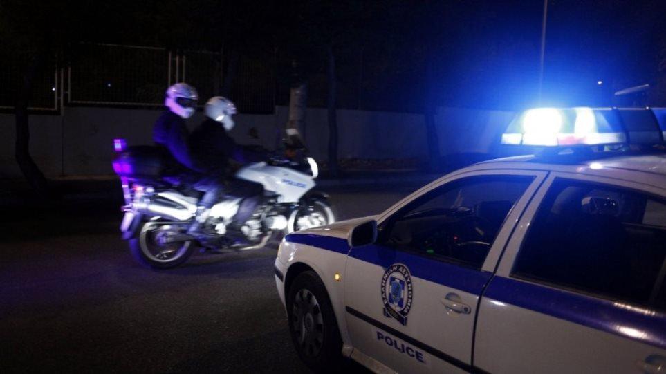 Επιθέσεις στα γραφεία της ΝΔ σε Άλιμο και Νέα Ιωνία, καθώς και σε ΑΤΜ – 20 προσαγωγές