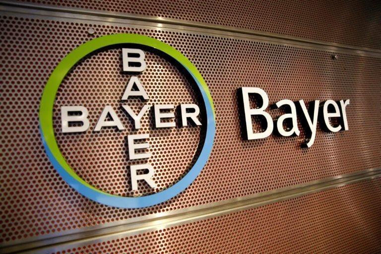 Σκάνδαλο Bayer: Παίρνουν διαστάσεις «χιονοστιβάδας» οι αποκαλύψεις για τις λίστες εκβιασμών