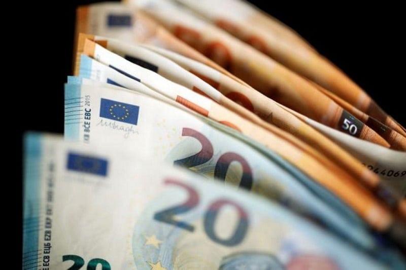Handelsblatt: «Προεκλογικά δώρα» οι εξαγγελίες Τσίπρα