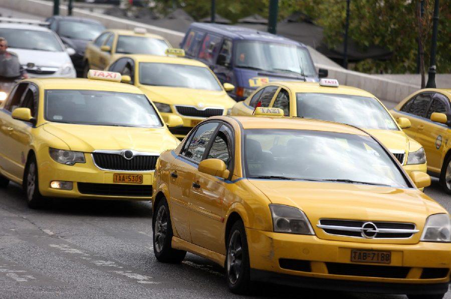 Στη φάκα (μετά από καταγγελία) ταξιτζής που «πείραζε» το ταξίμετρο