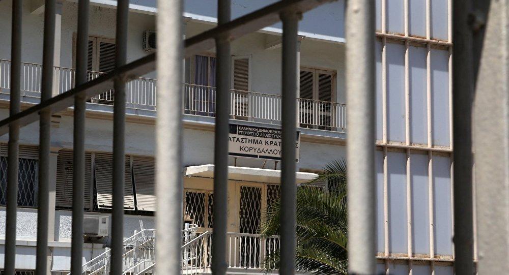 Κρατούμενος Κορυδαλλού έδινε Πανελλήνιες και τράβηξε μαχαίρι στον επιτηρητή