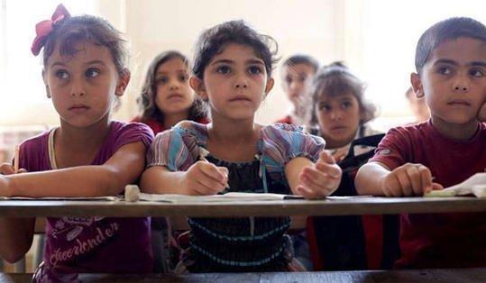 Βαθύ Σάμου: Γονείς έκαναν αγωγή (!) σε δασκάλα που υπερασπίστηκε την εκπαίδευση των προσφυγόπουλων
