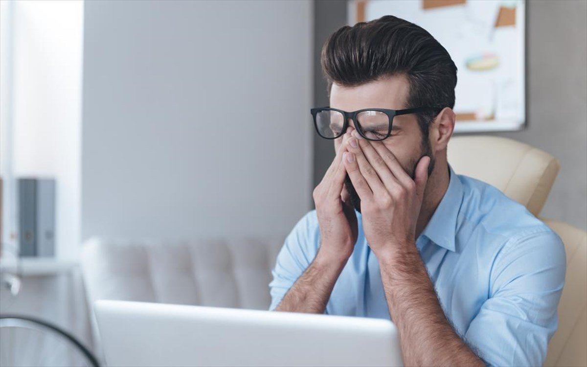 Αυξημένος ο κίνδυνος εγκεφαλικού για όσους εργάζονται πάνω από δέκα ώρες τη μέρα, σύμφωνα με γαλλική έρευνα