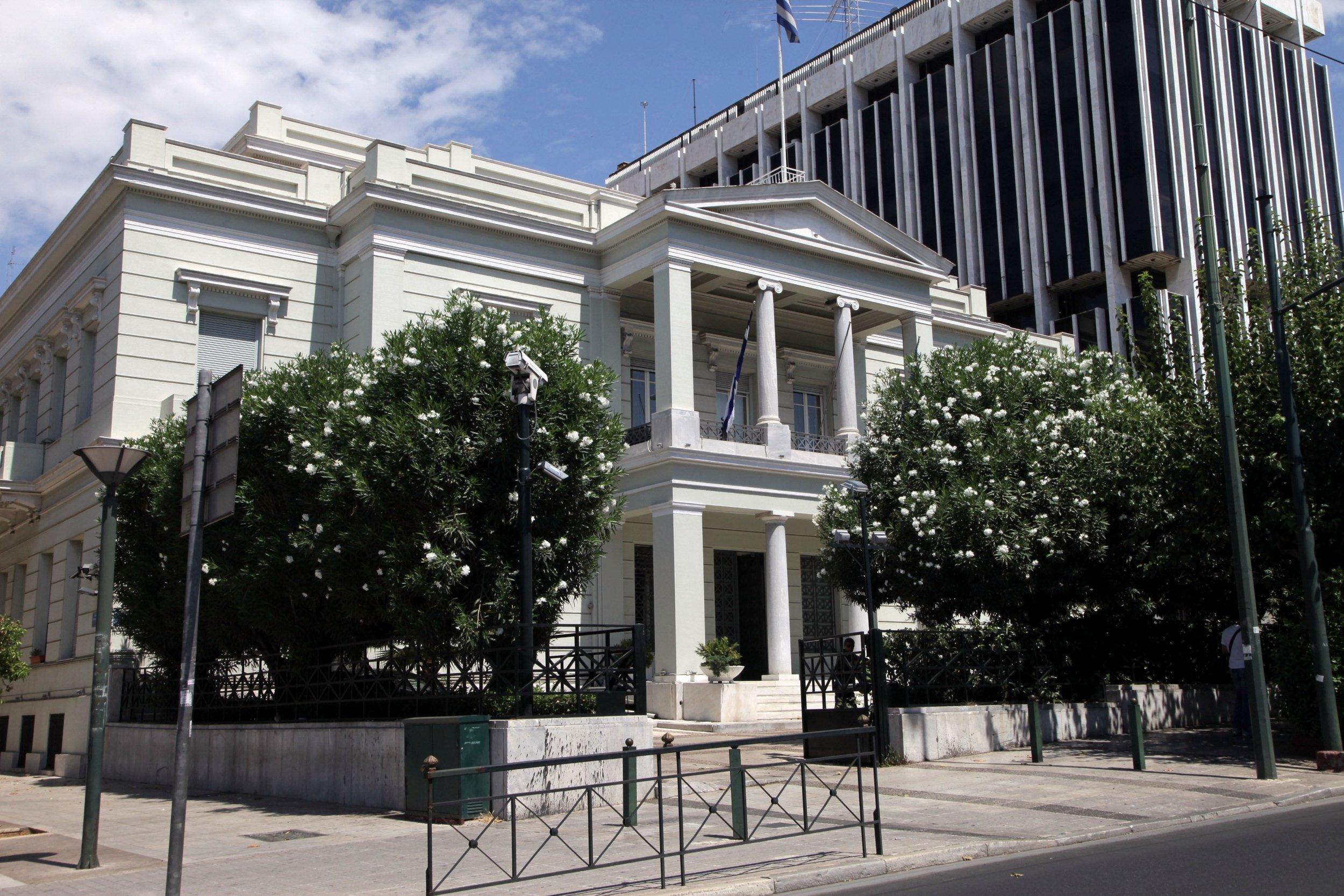 Συναγερμός έξω από το υπουργείο Εξωτερικών – Βρέθηκε ύποπτη βαλίτσα