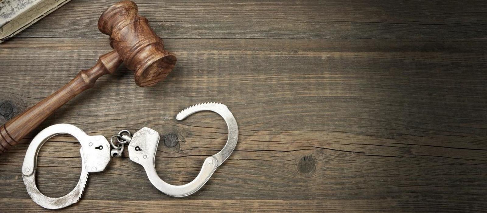 Ελαφρυντικό μη εύλογης διάρκειας δίκης: Κερκόπορτα για …απαλές καταδίκες σε βαριές υποθέσεις Διαφθοράς;