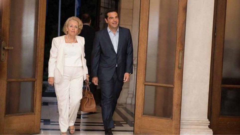 Συνάντηση Α. Τσίπρα με την Βασιλική Θάνου – ΝΔ: «Οι μάσκες έπεσαν»!